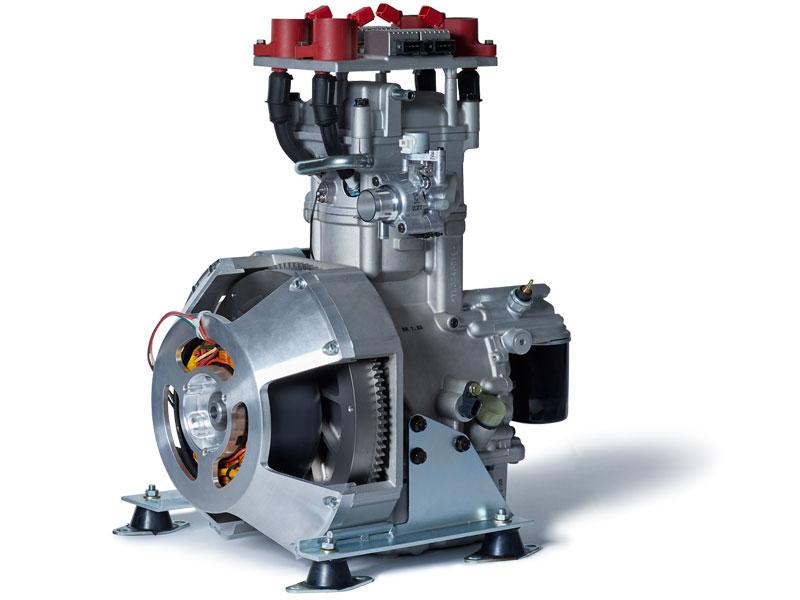 水冷式単気筒エンジン(220cc) 点火プラグ 4本装着